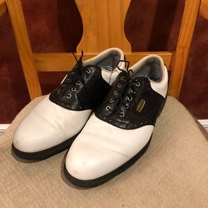 Footjoy Dryjoy black and white golf shoes